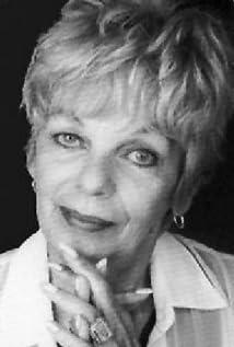 Aktori Sandra Kinder