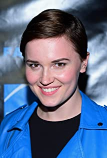 Veronica Roth Picture