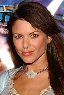 Aktori Kari Wuhrer