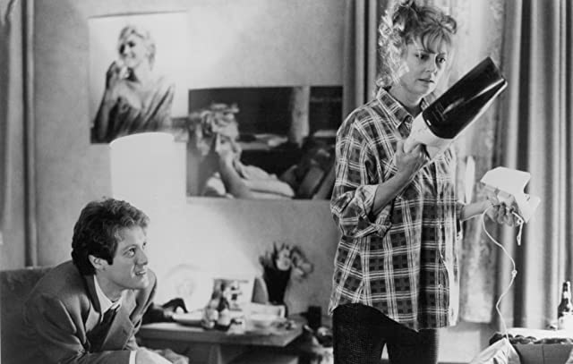 Susan Sarandon and James Spader in White Palace (1990)