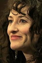 Amber Sealey's primary photo
