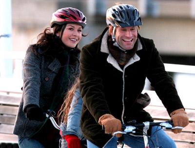 Aaron Eckhart and Catherine Zeta-Jones at No Reservations (2007)