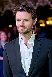 Aktori James Napier Robertson