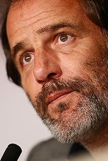 Aktori Frédéric Pierrot
