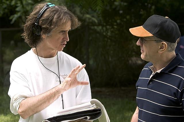 Robert De Niro and Jay Roach in Meet the Fockers (2004)