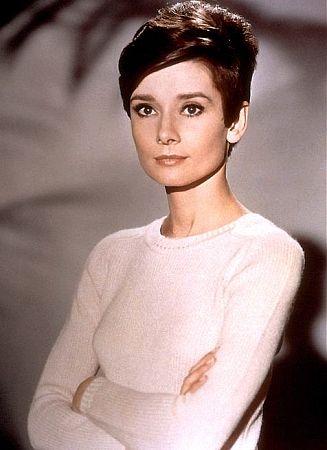 33-343 Audrey Hepburn