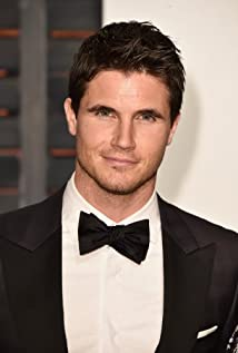 Robbie Amell earned a  million dollar salary, leaving the net worth at 2 million in 2017