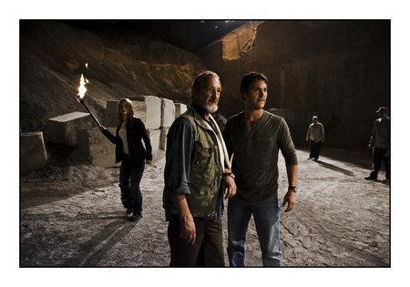 Robert Englund, Sebastien Roberts, and Sarah Allen in Black Swarm (2007)