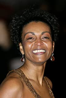 Adjoa Andoh Picture