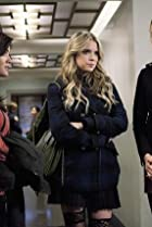 Image of Pretty Little Liars: A Person of Interest