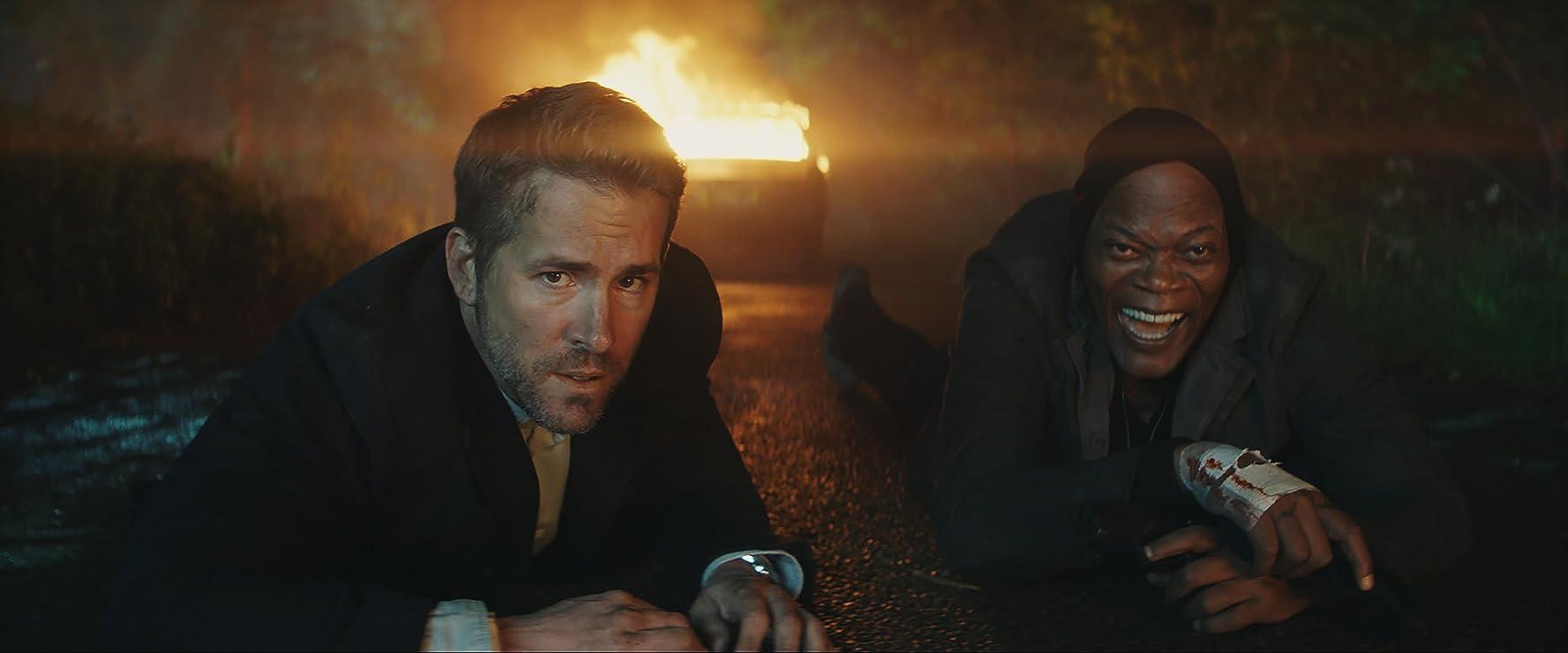 Samuel L. Jackson and Ryan Reynolds in The Hitman's Bodyguard (2017)