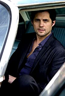 Kristoffer Polaha Picture
