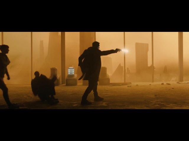 Blade Runner 2049: Biçak Sirti (2017)