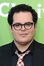 Josh Gad's primary photo