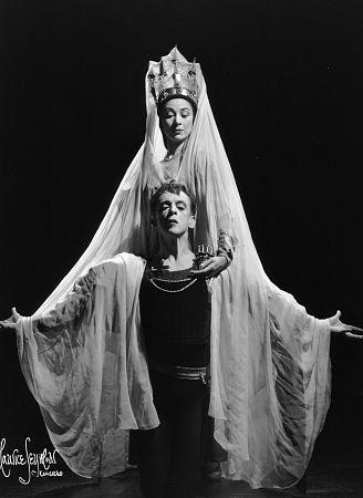 Margot Fonteyn and Robert Helpmann as Ophelia and Hamlet, c. 1942.