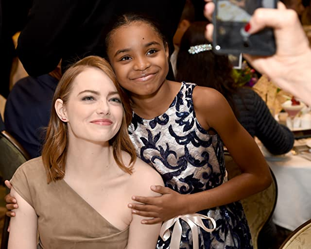 Emma Stone and Saniyya Sidney