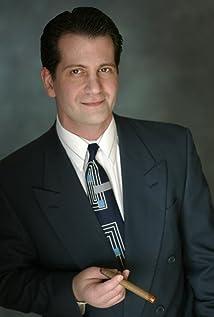 Aktori Michael Paul Levin