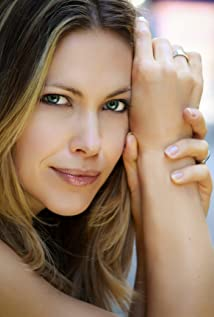 pascale hutton measurements