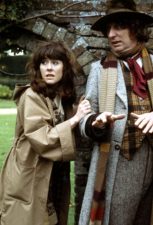 Tom Baker and Elisabeth Sladen in Doctor Who (1963)
