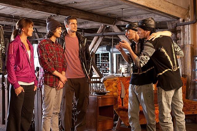 Sharni Vinson and Rick Malambri in Step Up 3D (2010)