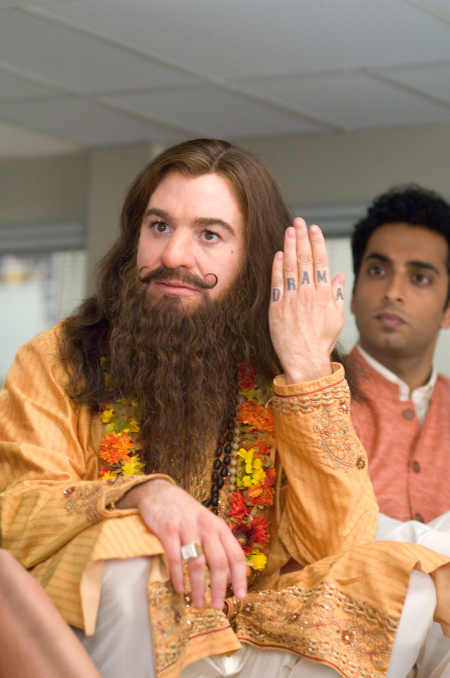 Mike Myers and Manu Narayan in The Love Guru (2008)