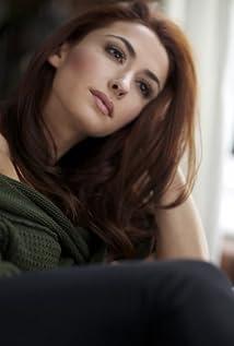Aktori Ashley Gallegos