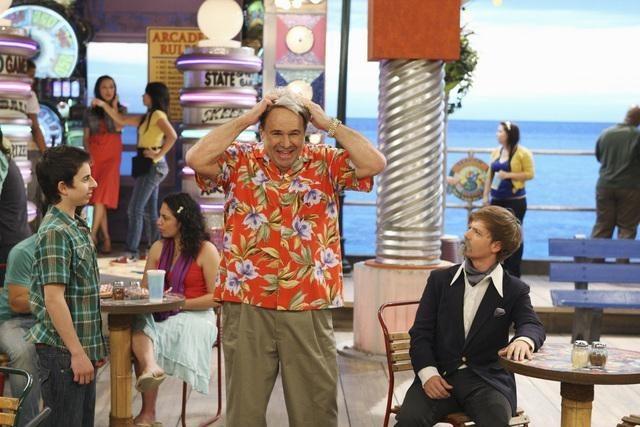 Robert Costanzo, Jason Earles, and Moises Arias in Hannah Montana (2006)
