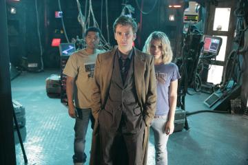 Noel Clarke, Billie Piper, and David Tennant in Doctor Who (2005)