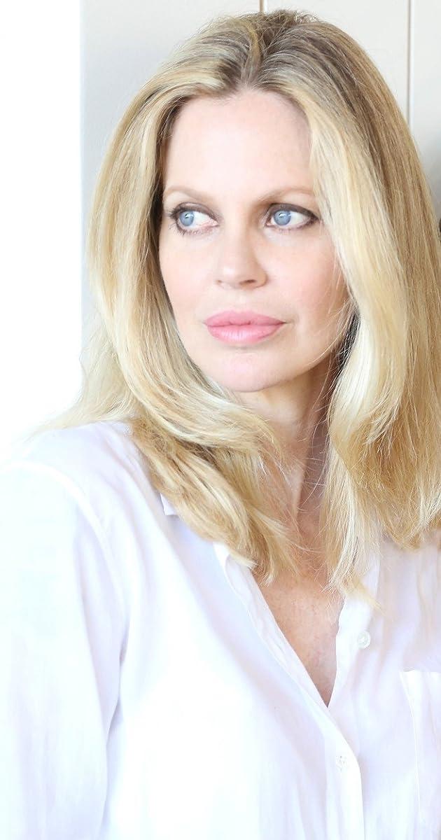 Kristin Bauer nude
