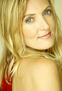 Aktori Lynne Langdon