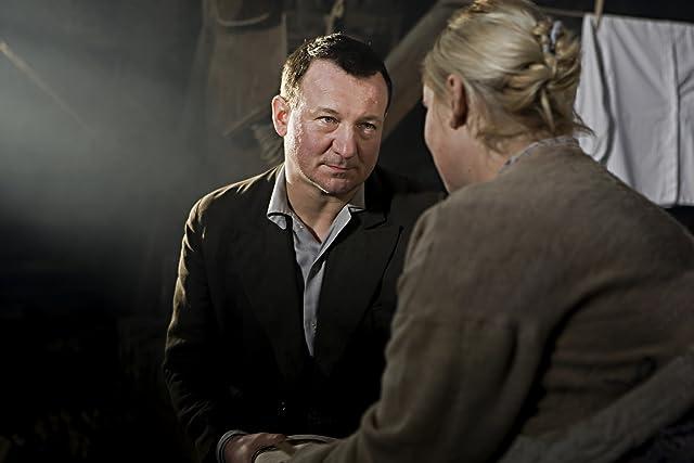 Kinga Preis and Robert Wieckiewicz in In Darkness (2011)