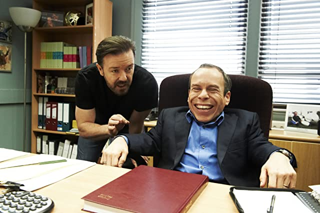 Warwick Davis and Ricky Gervais in Life's Too Short (2011)