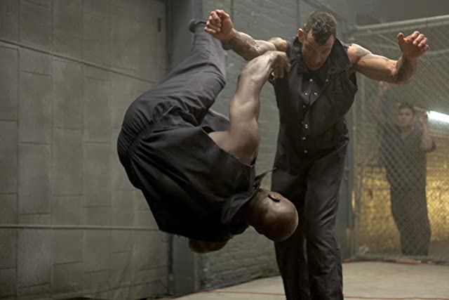 Cheick Kongo and Lance 'The Snake' Cartwright in Locked Down (2010)