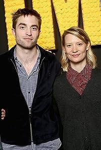 'Damsel' stars Robert Pattinson and Mia Wasikowska explain to Kevin Smith at the IMDb Studio at Sundance why their careers have gravitated toward directors like David Zellner and Nathan Zellner.