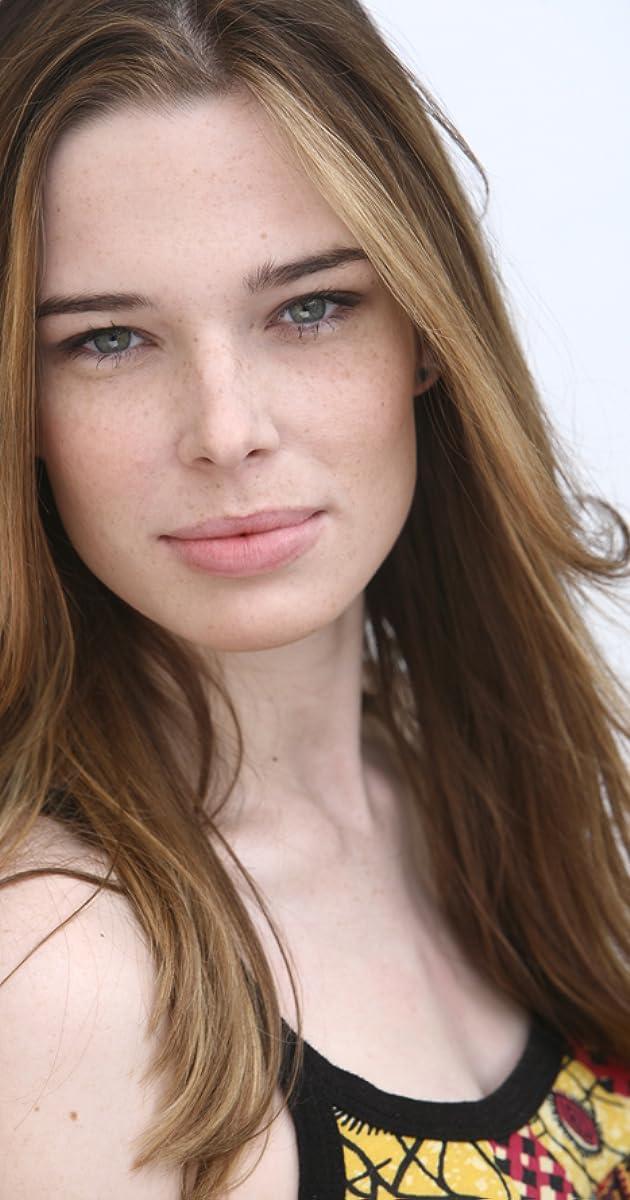 Chloe Dykstra nude