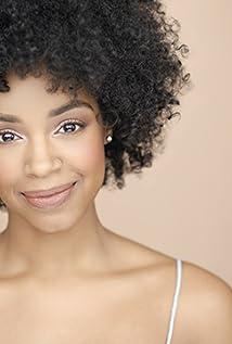 Aktori Chantel Riley