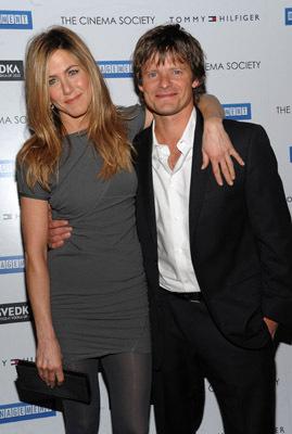 Jennifer Aniston and Steve Zahn at Management (2008)