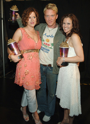 Molly Ringwald, Ally Sheedy, and Anthony Michael Hall at 2005 MTV Movie Awards (2005)