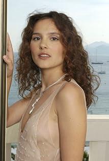 Virginie Ledoyen Picture