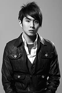 Justin Chon Picture