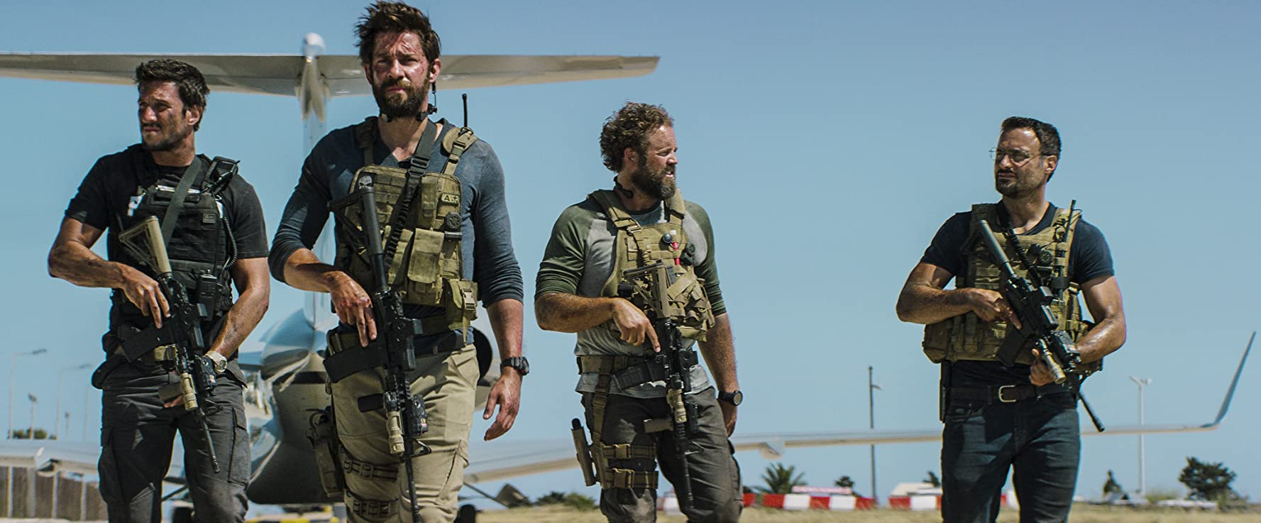 13 Hours: The Secret Soldiers of Benghazi, filme online subtitrat în Română