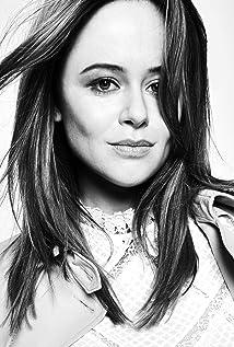 Aktori Emily Atack