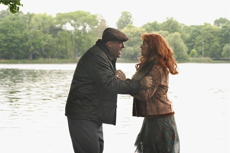 Kate Winslet and James Gandolfini in Romance & Cigarettes (2005)