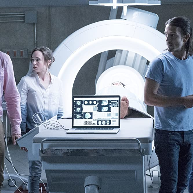 Diego Luna, Ellen Page, Nina Dobrev, James Norton, and Kiersey Clemons in Flatliners (2017)