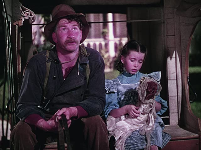 Margaret O'Brien and Chill Wills in Meet Me in St. Louis (1944)