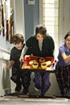 Image of Modern Family: Caught in the Act