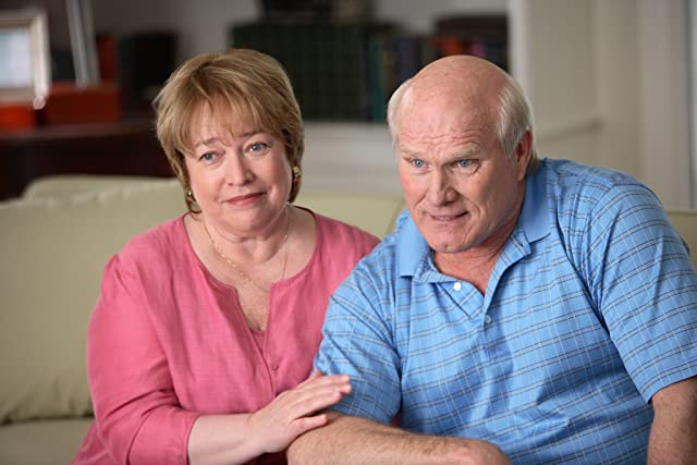 Kathy Bates and Terry Bradshaw in Failure to Launch (2006)