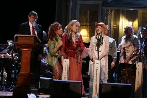 Meryl Streep, Lily Tomlin, Garrison Keillor, and Lindsay Lohan in A Prairie Home Companion (2006)