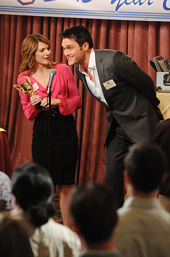 Kathleen Rose Perkins and Owain Yeoman in The Mentalist (2008)
