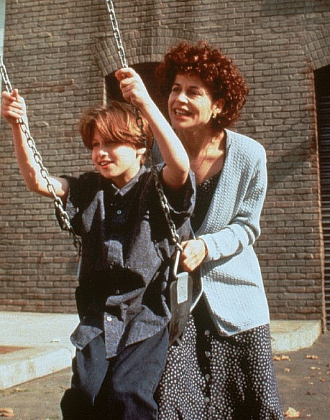 Linda Hamilton and Noah Fleiss in A Mother's Prayer (1995)